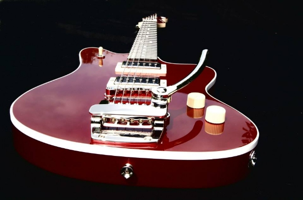desert dust guitar finition inferno red candy 2 pau
