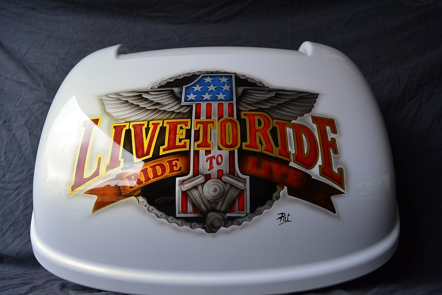 peinture aerographe top case harley davidson live to ride biarritz bayonne anglet pat deco. Black Bedroom Furniture Sets. Home Design Ideas